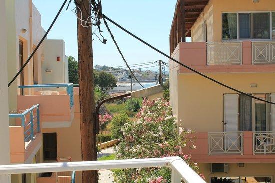 Hotel Telchinia: utsikt från bakong vänster..