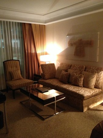 Breidenbacher Hof, a Capella Hotel: Comfortable sitting area