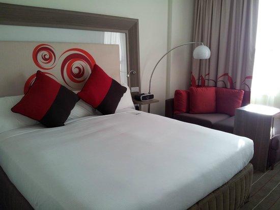 Novotel Glen Waverley: Comfy bed