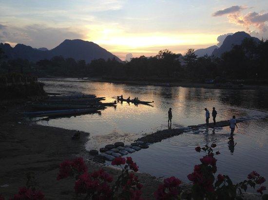 Thavonsouk Resort : sunset from the restaurant