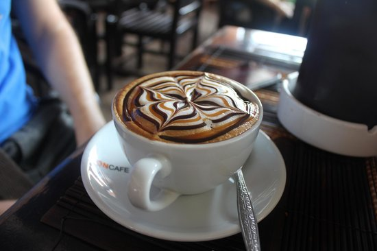 Luang Prabang Bakery : A very pretty coffee which tasted great too!
