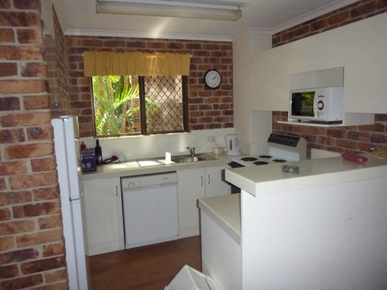 Toowong Villas: Kitchen