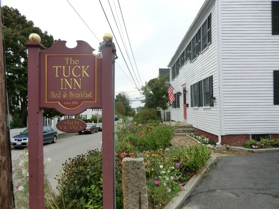 The Tuck Inn B&B: front area