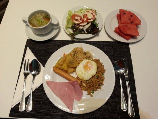 Viva Garden Serviced Residence: breakfast