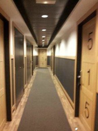 Hotel Jazz: Hallway