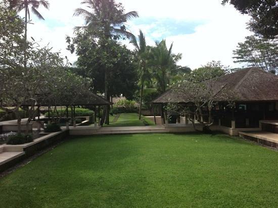 COMO Shambhala Estate, Bali: view towards restaurant