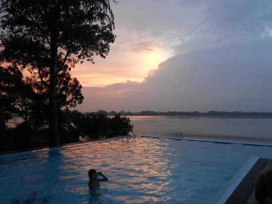 Taprospa Tissa: Appena arrivati in albergo, bagno in piscina. CHE PACE!