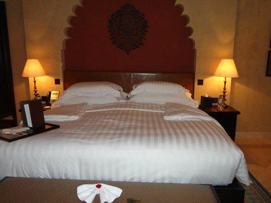 Qasr Al Sarab Desert Resort by Anantara: ベット
