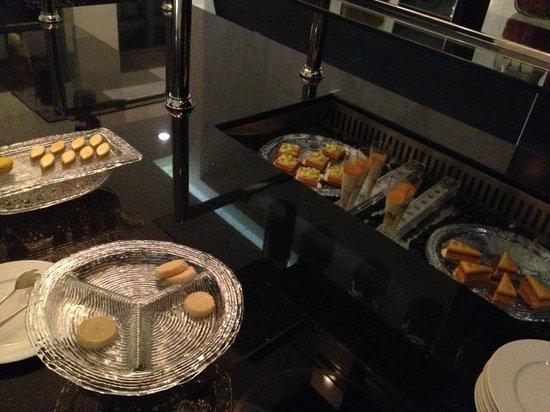 Sofitel Abu Dhabi Corniche: Pastas y dulces que nos acompañaron los 3 dias Club Millesime Lounge