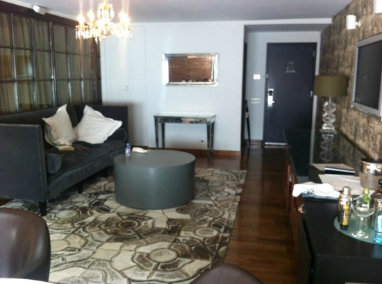 Soho House New York : Eingangsbereich mit gemütlichem Sofa