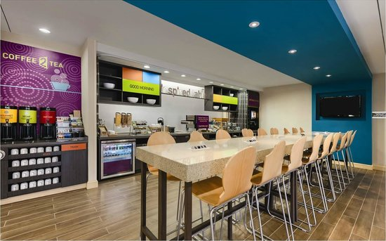 Home2 Suites by Hilton Charlotte I-77 South: Inspired Breakfast Table