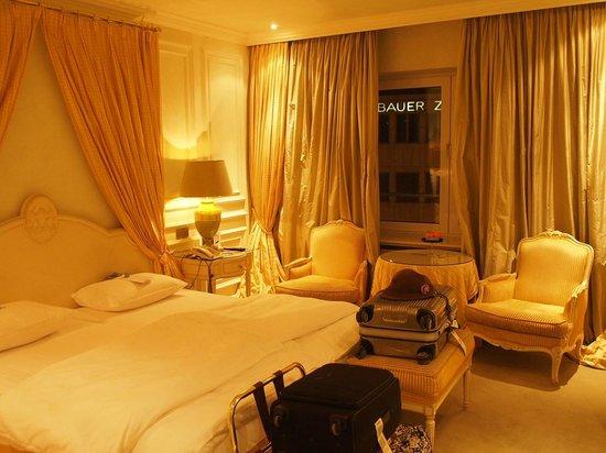 Hotel Koenigshof: 部屋