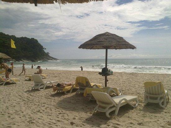 Le Meridien Phuket Beach Resort: Пляж