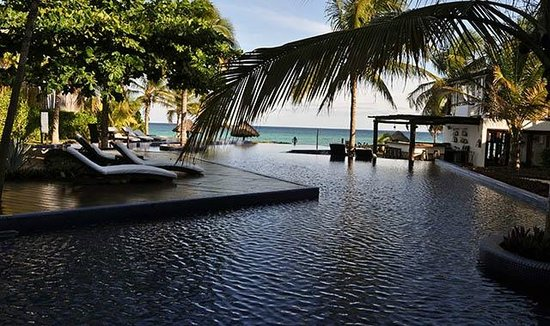 Le Reve Hotel & Spa: Vista de la piscina del Hotel