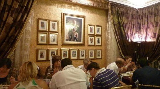 El Walima : Gracious setting (photos of the former Beys)