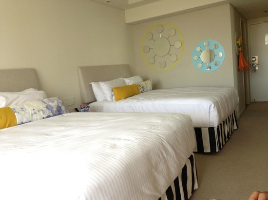 QT Gold Coast: Ocean View Twin Rooms