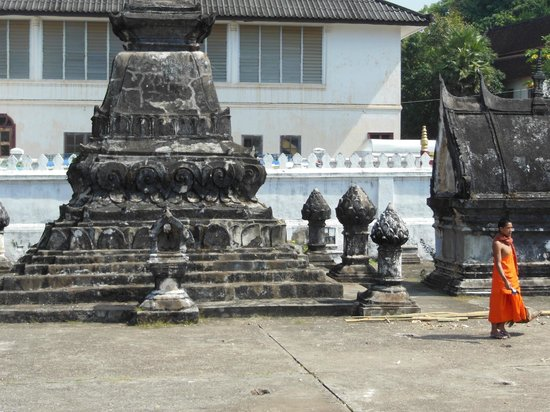 Inside the grounds of Wat Sensoukaram
