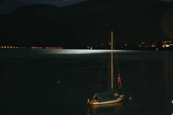 Seehotel Sternen Horw: Moon Light in the lake