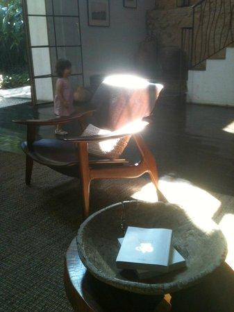 Hotel Santa Teresa - Relais & Chateaux: Fauteuil du grand designer Sergio Rodrigues
