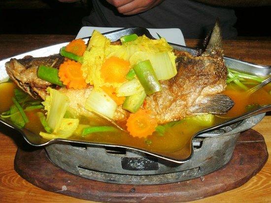Tenta Nakara: Fisch in Tom Yam