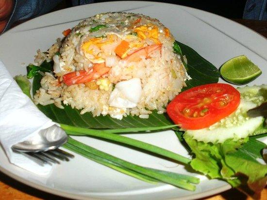 Tenta Nakara: Gebratener Reis mit Garnelen