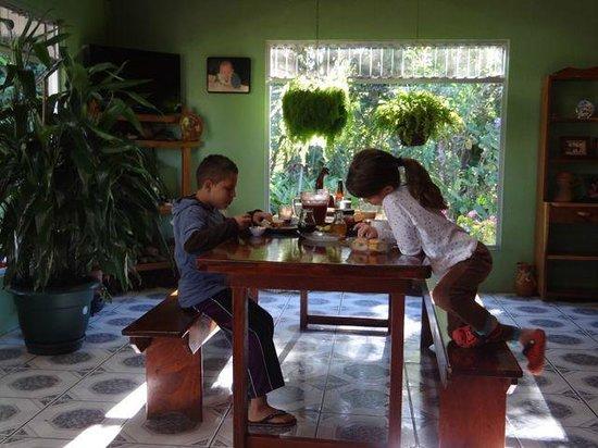 Cabanas Valle Campanas: Dining