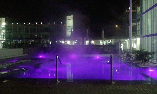 Aqualux Hotel Spa & Suite Bardolino: Piscina esterna