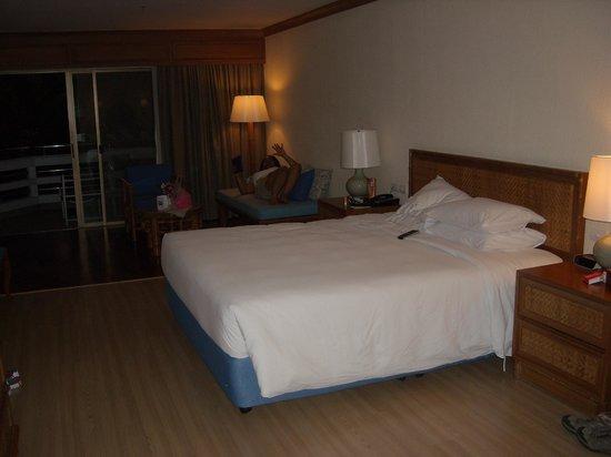 The Regent Cha Am Beach Resort: Superior Garden View Room