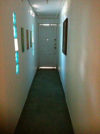 Posada Lizard House: pasillo de la habitación