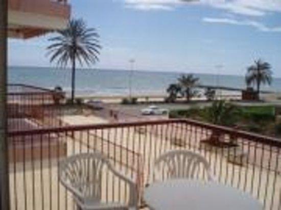 Los Prados: A primera linea de playa
