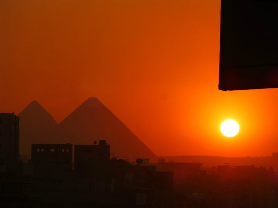 Aracan Pyramids Hotel: ピラミッドとサンセット