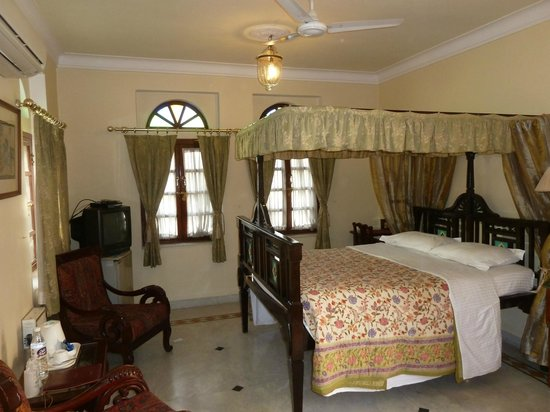 Hotel Madhuban: Our room on the top floor