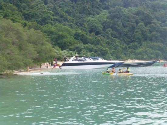 Samui Boat Charter: kayaking