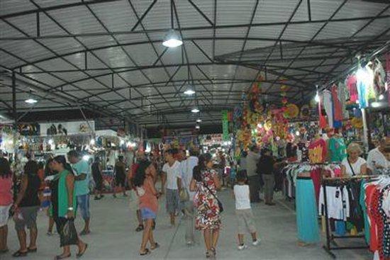 Apollon Holiday Village: Mavisehir night market