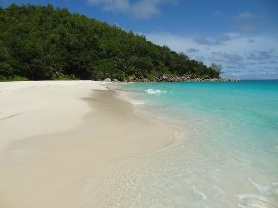 Anse Georgette: Quiet beach