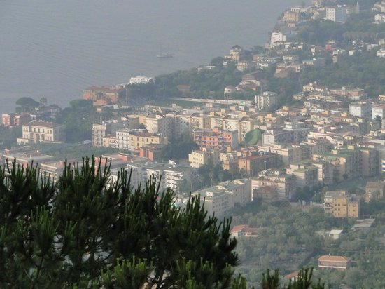 Midday shot of Sorrento - Picture of Hotel Residence Le Terrazze ...