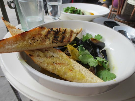Cafe Chloe: Mussels