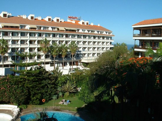 Teide Mar Apartments: The garden and the sea