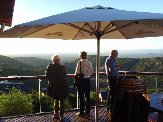 Kuzuko Lodge: Utsikt från lodgens altan