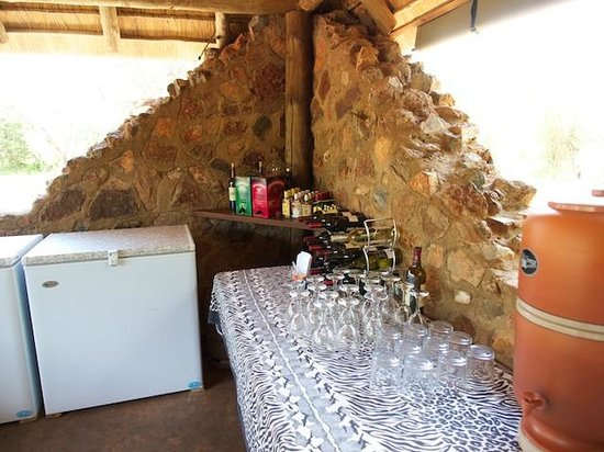 Mosetlha Bush Camp & Eco Lodge: Honesty bar