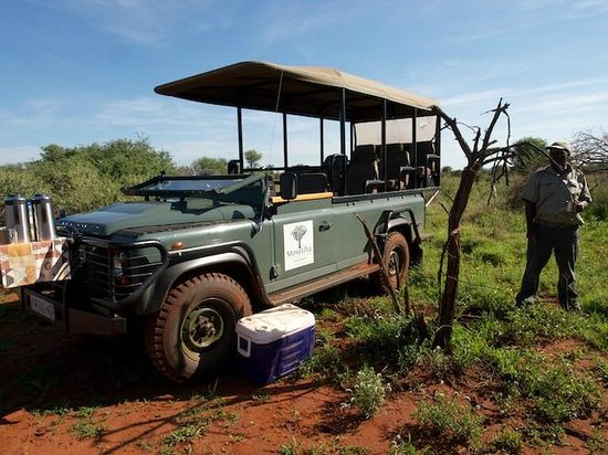 Mosetlha Bush Camp & Eco Lodge: Mosethla Bush Camp landrover