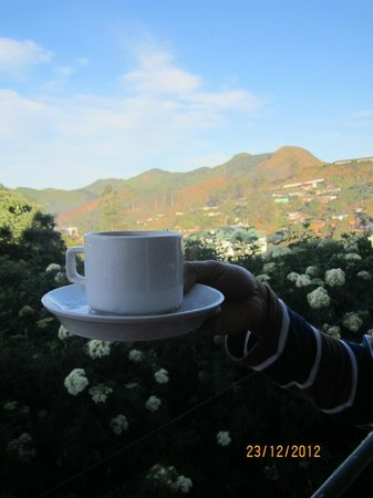 Elysium Garden Hill Resorts : Morning cup of tea- view from the room