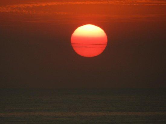 Shining Waters: zonsondergang vanaf het terras