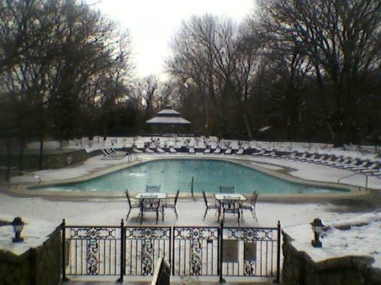 The Elms Hotel and Spa: The pool and hot tub (on the left) in the snow on New Year's Eve.