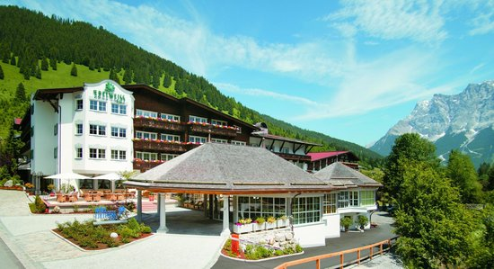 Photo of Hotel Edelweiss Lermoos