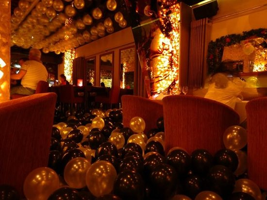 ZanZBar Restaurant, Cafe & Bar: NYE 2012