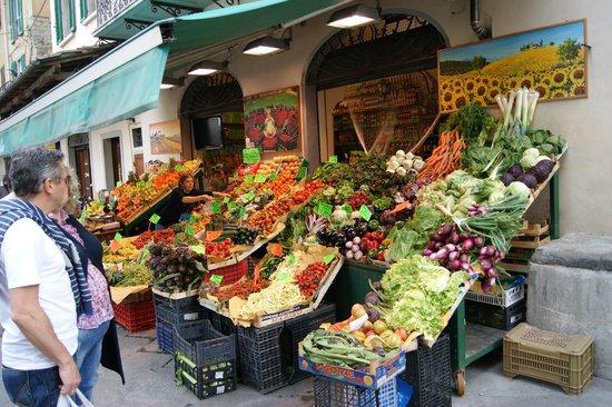 Ospedale del Ceppo : Market scene