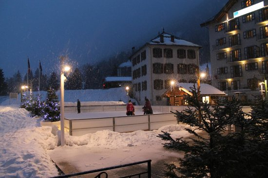 Résidence & Spa Vallorcine Mont-Blanc : The Ice rink