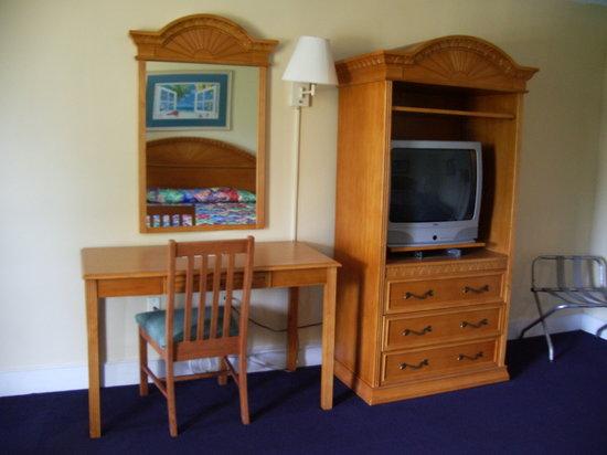 Royal Islander: King Room