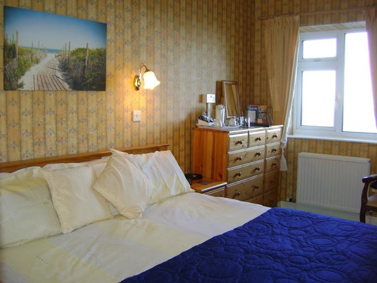 Wharncliffe Hotel: Room 11